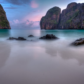 maya bay by Vincentius Dedy Angsana - Landscapes Beaches ( hdr )