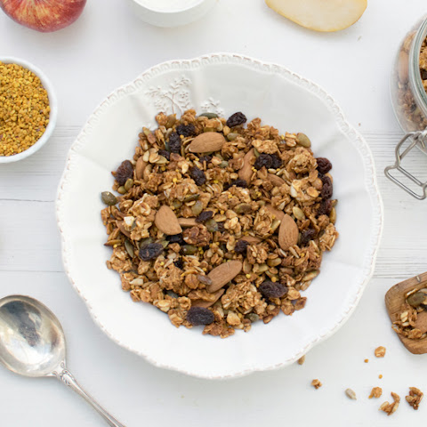 Granola With Bee Pollen [vegetarian] [gluten free]