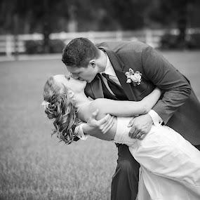 by Josiah Blizzard - Wedding Bride & Groom