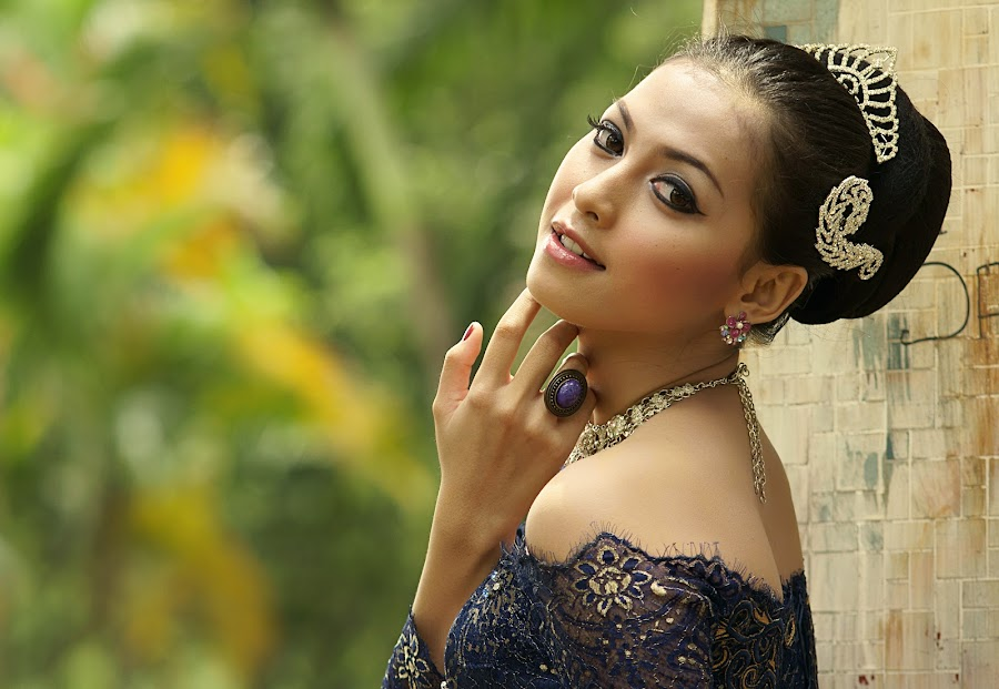 The Beauty by Arrahman Asri - People Fashion ( face, fashion, woman, beautiful, kebaya, beauty, portrait )