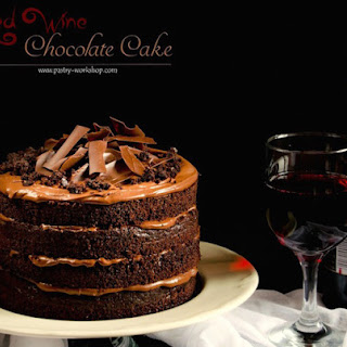 Luxurious Chocolate Cake with Red Wine and Ganache