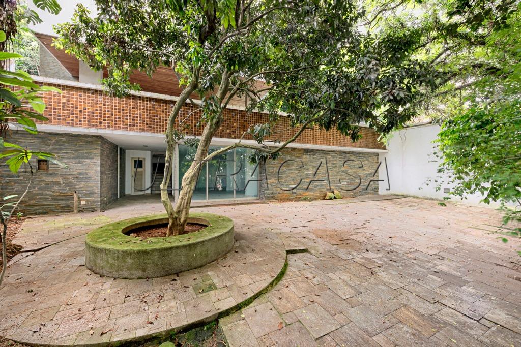 Casa Padrão à venda, Pacaembu, São Paulo
