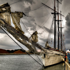 by T. Lee Kindy - Transportation Boats