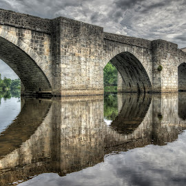 Pont Saint-Etienne by Mike Stuckey - Buildings & Architecture Bridges & Suspended Structures ( reflection, limoges, france, mediaeval, bridge, medieval )