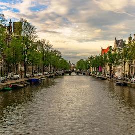 City of waterways, Amsterdam by Hariharan Venkatakrishnan - City,  Street & Park  Vistas