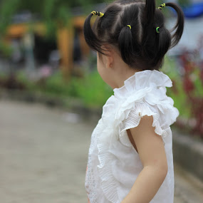Alone by Hadinata Lim - Babies & Children Children Candids ( child, girl, candids, children, people )