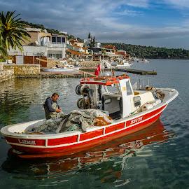 Pescatore by Murat Besbudak - Transportation Boats