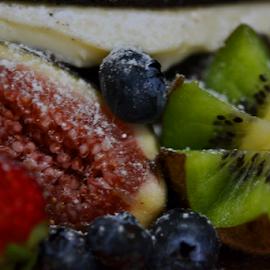 Fig And Kiwi by Kamila Romanowska - Food & Drink Fruits & Vegetables ( fruit, sweet, fig, fresh, kiwi, food )