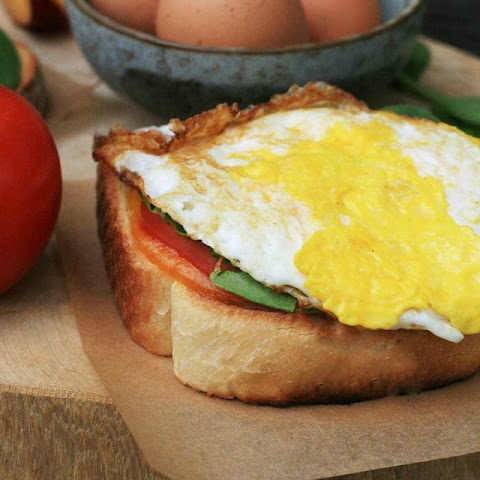 Spicy Fried Egg Sandwich