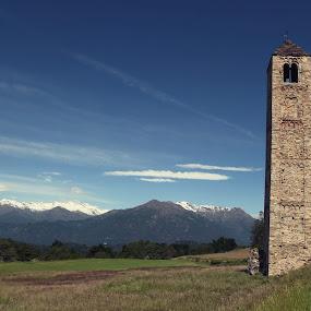 Ciucarun di Bollengo by Erik Pettinari - Landscapes Travel ( torino, piemonte, bolengo, campanile, italy )