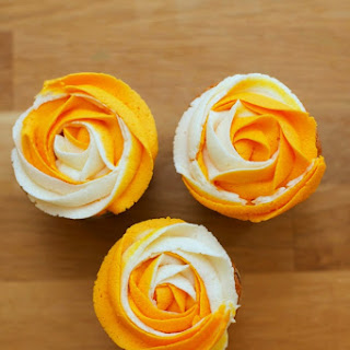 SUNNY SUMMER FLOWER CUPCAKES