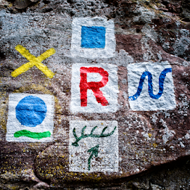 Waysigns by Johannes Oehl - Artistic Objects Signs ( symbols, symbol, color, stone, germany, hillside castle, hesse, hirschhorn, waysign )