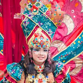 Jember Fashion Carnaval @ BSD - 6 by Sucipto Darmaputra - People Fashion ( jfc, fashion, colorful, woman, carnaval, street, jember fashion carnaval, close up,  )