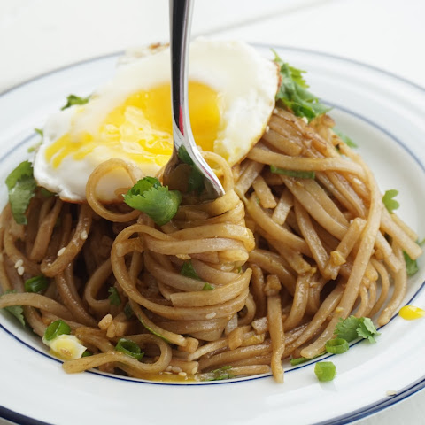 Ginger Noodles with Sunny Side Up Egg