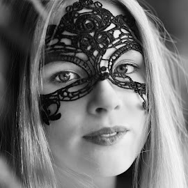 Lilie by Michaela Firešová - Black & White Portraits & People ( face mask, black and white, female, portrait )