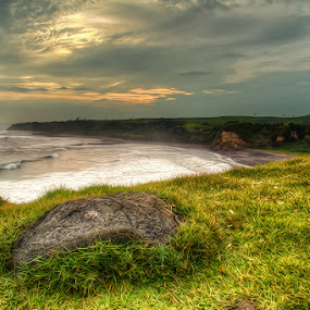 the rock by Ridwan Adhitama - Landscapes Sunsets & Sunrises ( seascape, landscape )