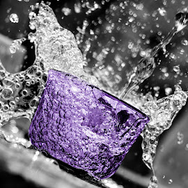 by Muhammad Nurnaaim - Abstract Water Drops & Splashes