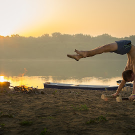 Calisthenics at dawn by Bjelanovic Darko - Sports & Fitness Fitness ( training, dawn, fitness, sport, sunrise, work out, calisthenics, river )