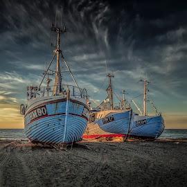 Thorup Strand by Ole Steffensen - Transportation Boats ( jammerbugten, ship, sea, beach, denmark, thorup strand, boat, fishing vessel )