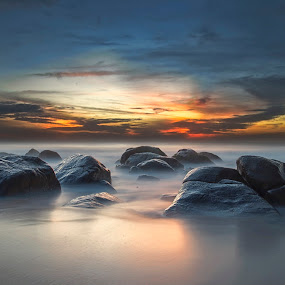 Sunriset at Kovalam, Chennai by Ravikanth Kurma - Landscapes Waterscapes ( reflection, dreamy, sea, shine, sunrise, beach, kovalam, rocks, chennai, , colorful, mood factory, vibrant, happiness, January, moods, emotions, inspiration )