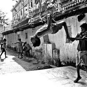 Street Action by Shambhunath Sadhu - People Street & Candids ( boys, sports, streets, candid, people,  )