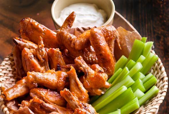 Broiled Buffalo Wings Recept | Yummly