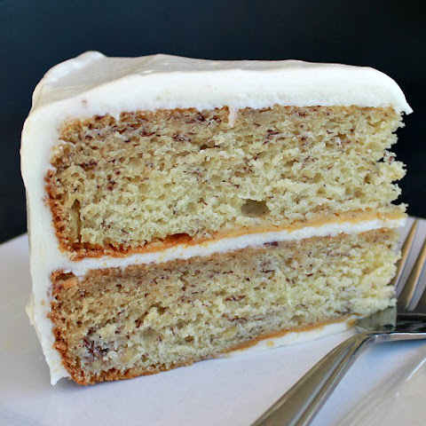 Classic Banana Cake with Cream Cheese Frosting