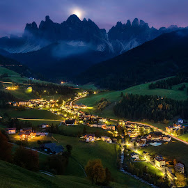 by Richard  Harris - Landscapes Mountains & Hills