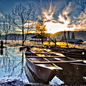 Morrning inTamblingan by Bejo Jounest - Landscapes Sunsets & Sunrises