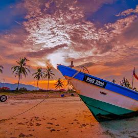 Stranded..... by Aidan Hasmadi - Landscapes Sunsets & Sunrises