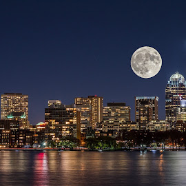 Spectacular supermoon by Ujjwal Shrestha - City,  Street & Park  Skylines ( skyline, boston, beautiful, astrophotography, landscape, supermoon, photography, nightscape )
