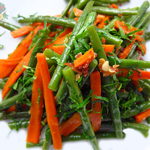 Green Beans w. Carrots and Bacon