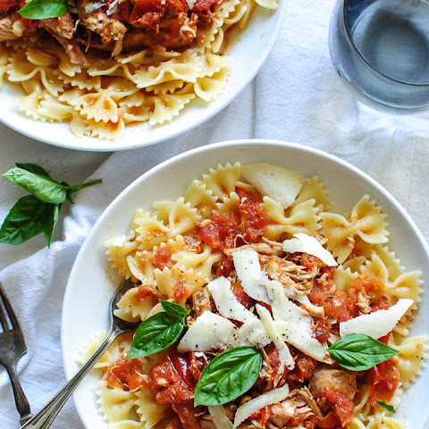 Slow Cooker Chicken and Tomatoes with Bow Tie Pasta