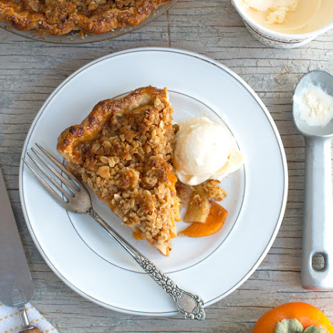Apple Persimmon Crumble Pie