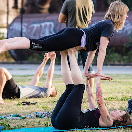 Fun at Gasworks by Robert Briggs - People Street & Candids ( physical, park, seattle, summer, exercise, gasworks park, fun, tattoo, evening, lifting, gymnastics )