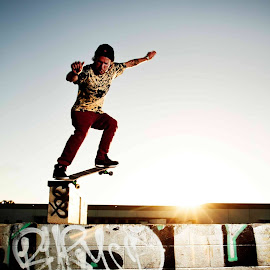 Skate by Matthew Garsteck - Sports & Fitness Skateboarding