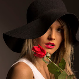 Beauty and the Rose by Lynnie Taylor - People Fashion ( rose, beauty, har )