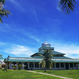 Mempawah Mosque by Mulawardi Sutanto - Buildings & Architecture Public & Historical ( masjid, cakep, mosque, indonesia, mempawah, travel, borneo )