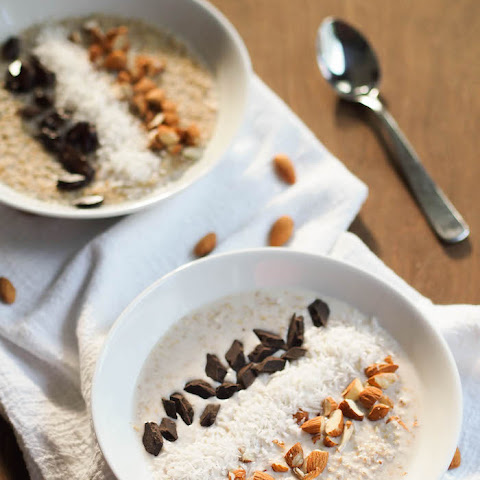 Coconut Steel Cut Oats With Almonds and Dark Chocolate