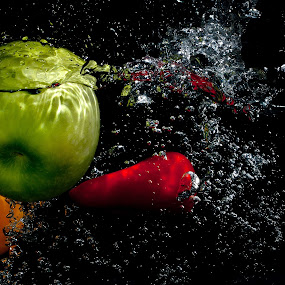 by WanUkay Perdana - Food & Drink Fruits & Vegetables ( waterdrop, fruite splash photography, splash photography, capsicum, bell pepper )