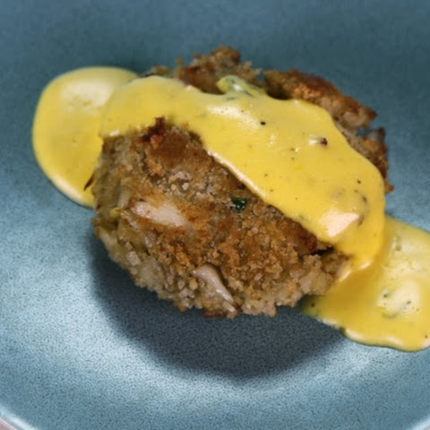Crab Cakes with Bearnaise Sauce