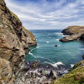 Tintagel (Cornwall - UK) by Gianluca Presto - Landscapes Waterscapes ( sky, cliffs, cloudy, cornwall, rocks, tintagel, cliff, united kingdom, beach, weather, travel, sea )