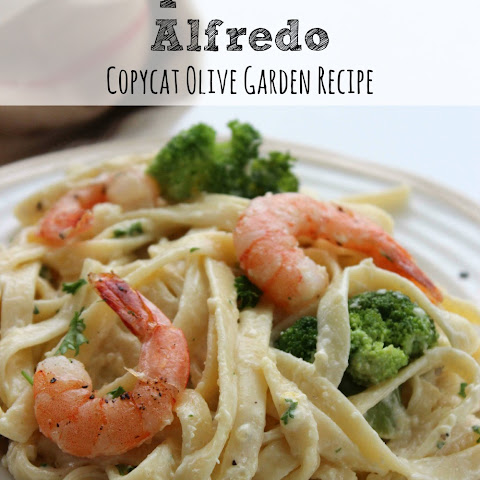 Copycat Olive Garden Alfredo Sauce Recipe | Shrimp and Broccoli Alfredo