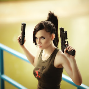 Put ur guns up by Wei Ie Mugen - People Fashion