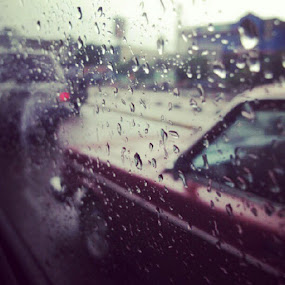 #rainy day with retro car by Darnell Pantow - Instagram & Mobile Instagram ( retro car, classic car, window, rain )