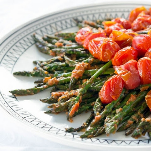 Asparagus with Tomato-Walnut Pesto
