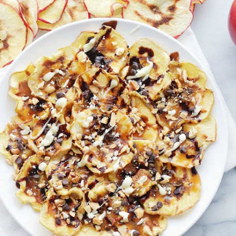 Caramel Apple-Chips Nachos