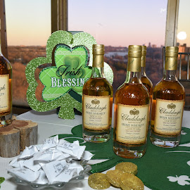 Irish Whiskey by Lorraine D.  Heaney - Food & Drink Alcohol & Drinks