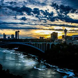 Niagara by Biggi R. - City,  Street & Park  Skylines ( niagara falls )