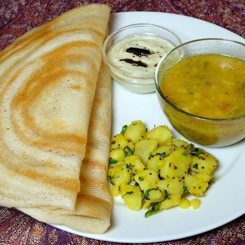 Dosa (Rice and Urad Dal Crepe)